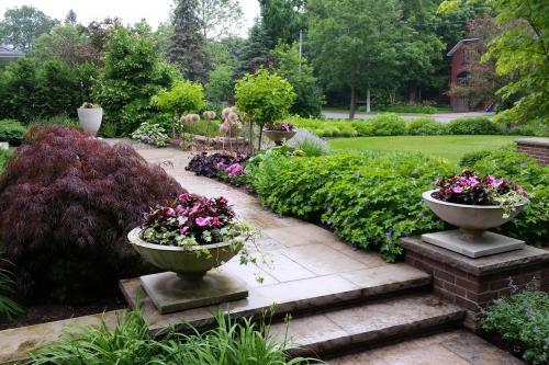 Tips for Award-Winning Maintenance and Annuals Planting Design