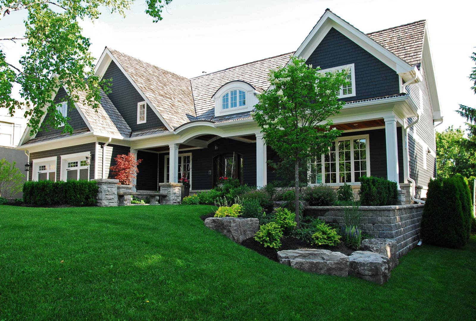 Landscaping for quick real estate sale