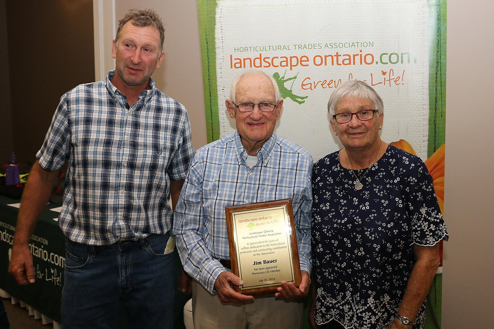 Ottawa Chapter founder honoured with special award
