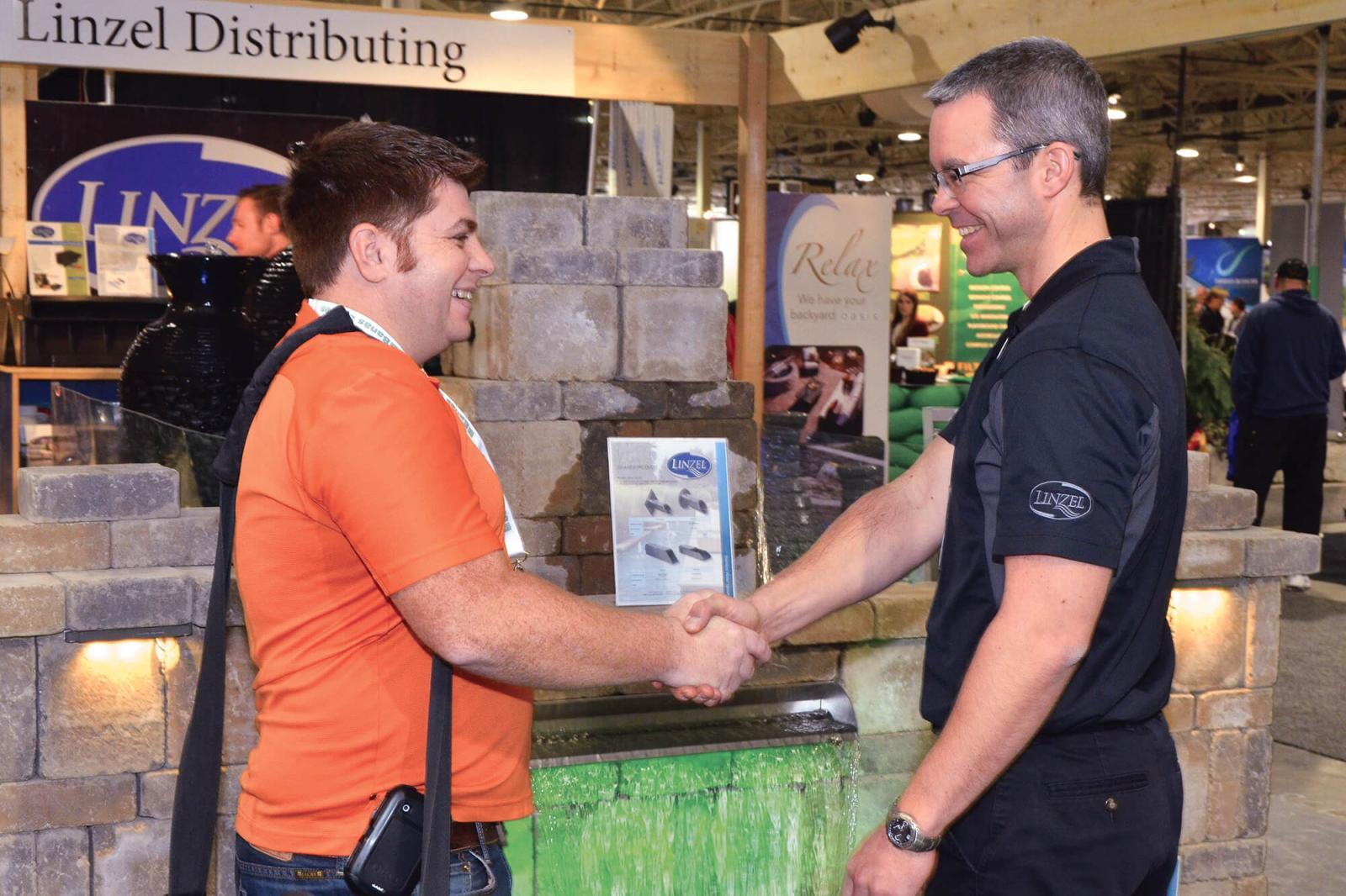 Lots of handshakes could be seen at this year's Congress. Both attendees and exhibitors reported a good business atmosphere.