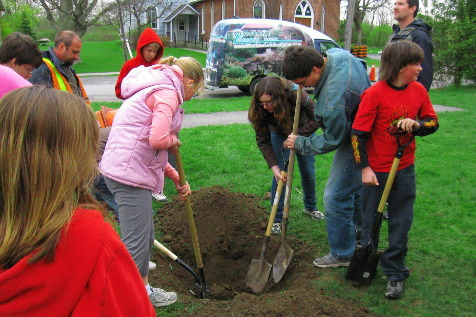 Western Landscape encourages Kingston students to plant trees
