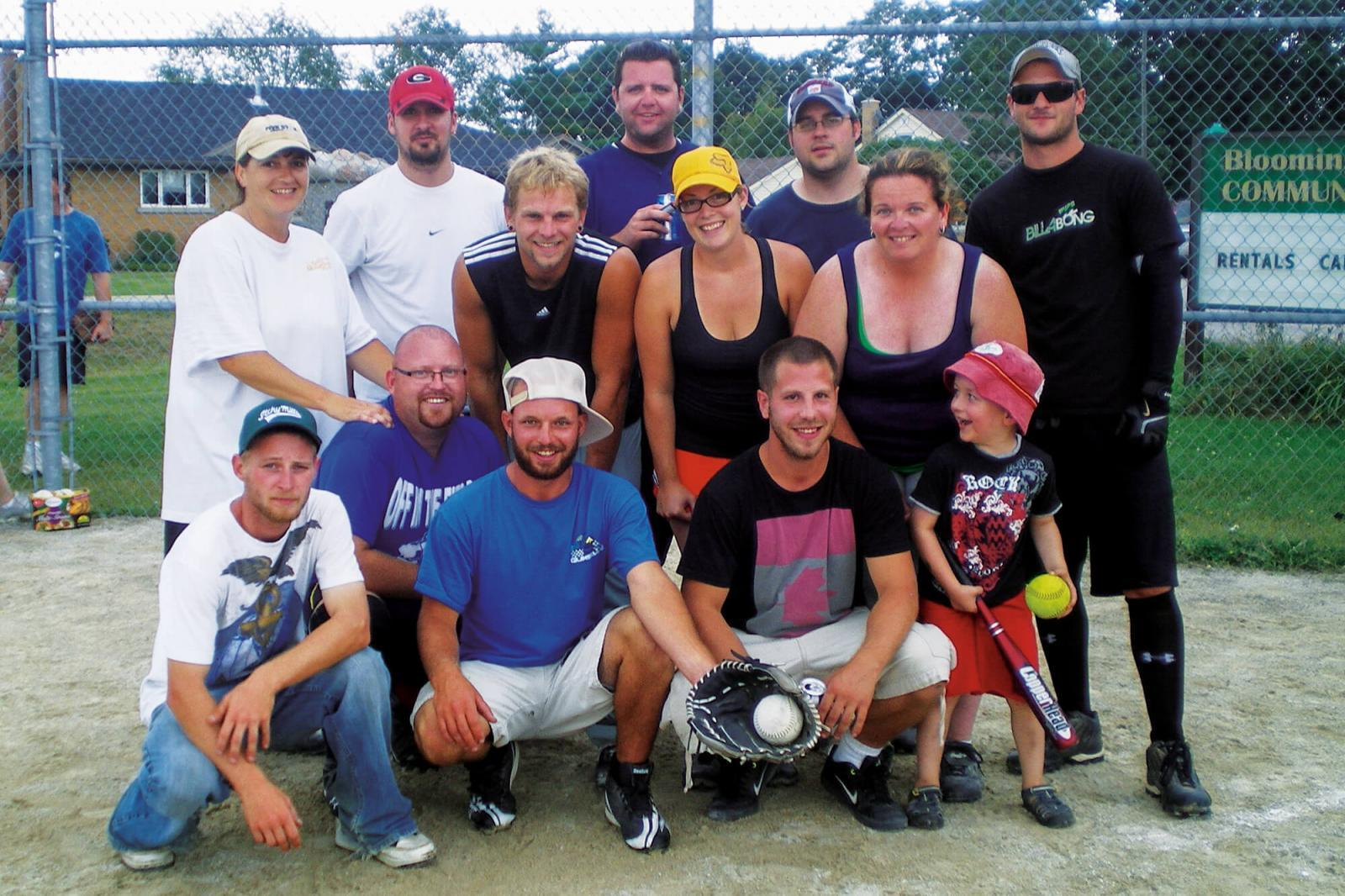 Two LO chapters enjoy ball tournaments