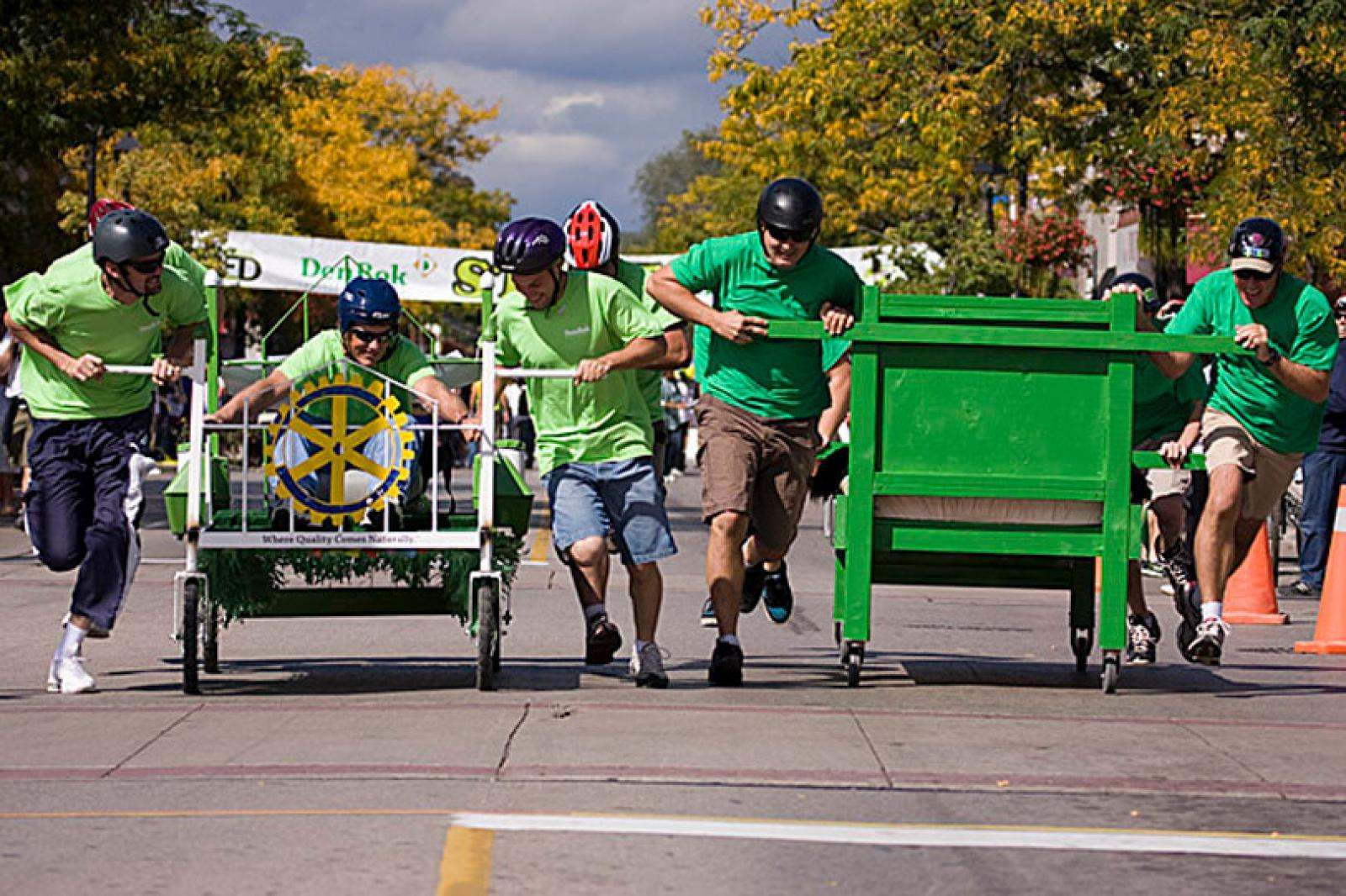 Landscapers compete in Amazing Bed Race.