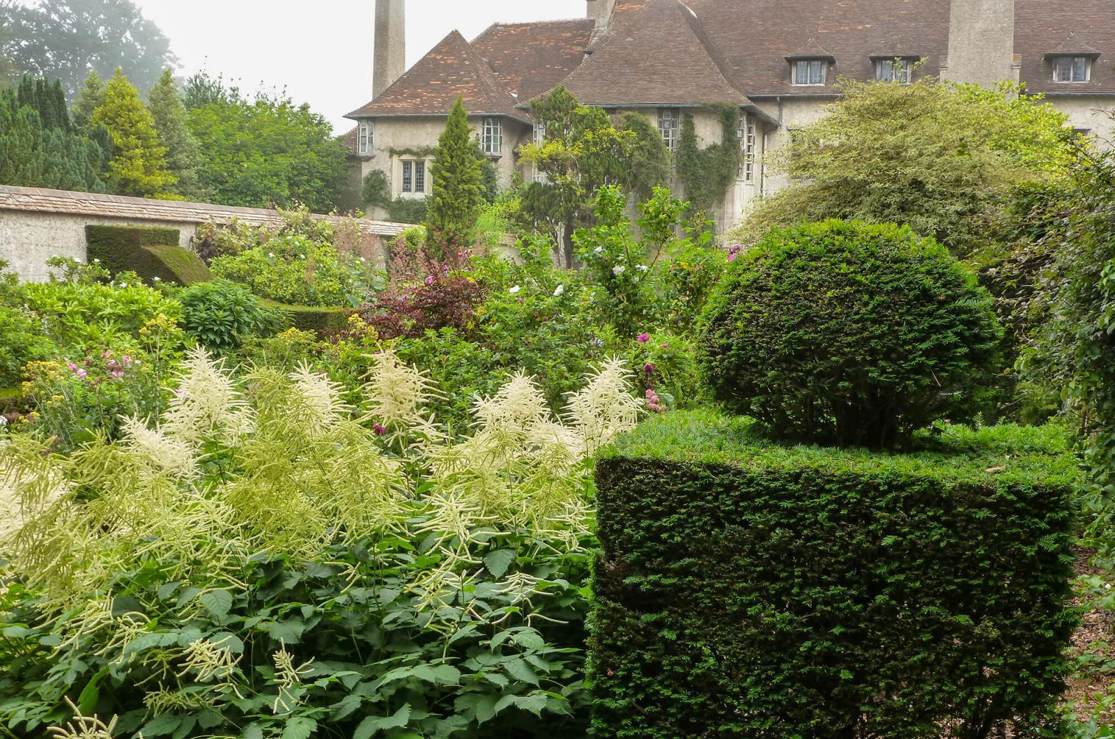 Photo #1: Le Bois des Moutiers is a country manor and garden built by Guillaume Mallet starting in 1898, with the Arts and Crafts design team of Gertrude Jekyll and Edwin Lutyens.